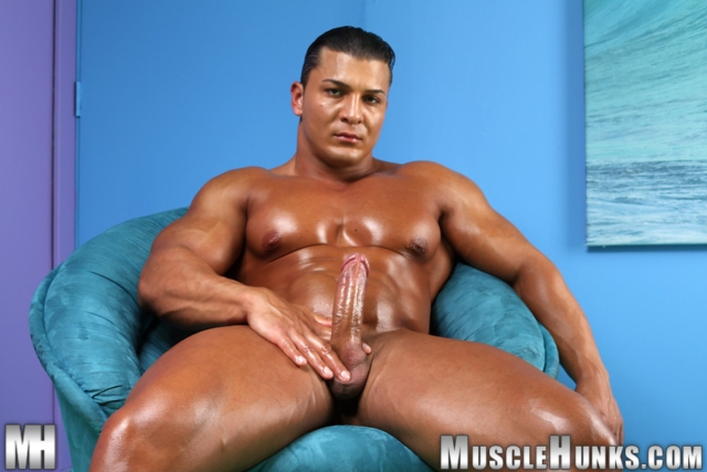Omar-Fabrouk-Muscle-Hunks-nude-gay-bodybuilders-porn-muscle-men-muscled-hunks-big-uncut-cocks-tattooed-ripped-08-pics-gallery-tube-video-photo