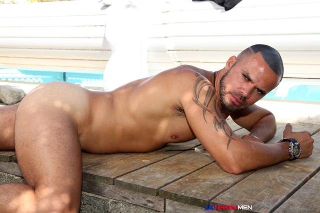 Craig-Farrel-and-Delta-Kobra-UKNakedMen-hairy-young-men-muscle-studs-British-gay-porn-English-Guys-Uncut-Cocks-08-gallery-video-photo - copia