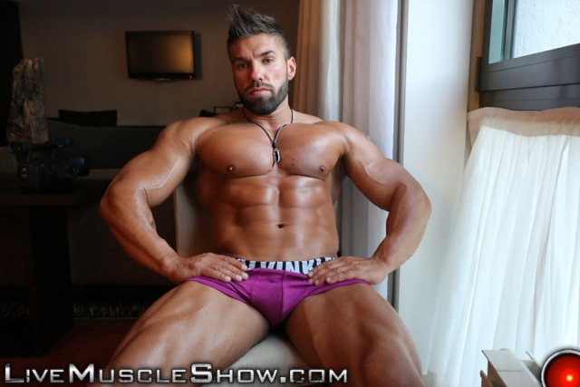 Lucas-Diangelo-Live-Muscle-Show-Gay-Naked-Bodybuilder-nude-bodybuilders-gay-muscles-muscled-gay-sex-photo04-gallery-video-photo