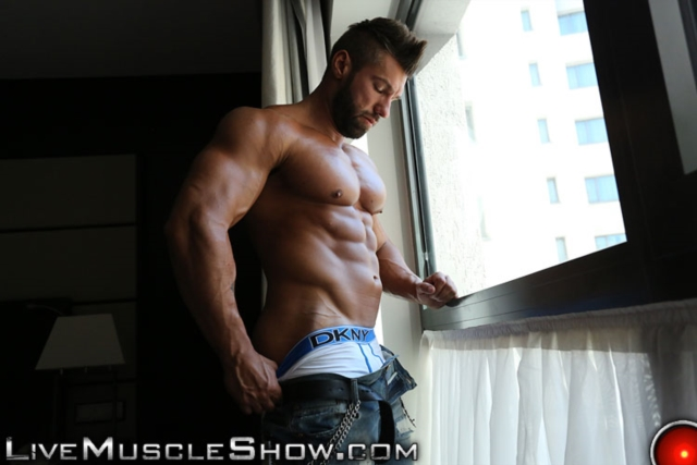 Lucas-Diangelo-Live-Muscle-Show-Gay-Naked-Bodybuilder-nude-bodybuilders-gay-muscles-muscled-gay-sex-photo06-gallery-video-photo
