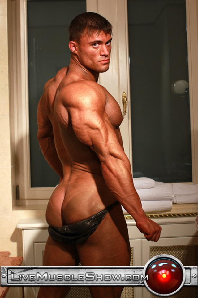 Rocky-Remington-Live-Muscle-Show-Gay-Porn-Naked-Bodybuilder-nude-bodybuilders-gay-fuck-muscles-big-muscle-men-gay-sex-007-gallery-video-photo