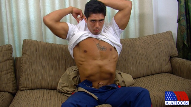 Corporal-Archer-All-American-Heroes-stiff-cock-tanned-muscles-soldier-jerk-off-005-male-tube-red-tube-gallery-photo