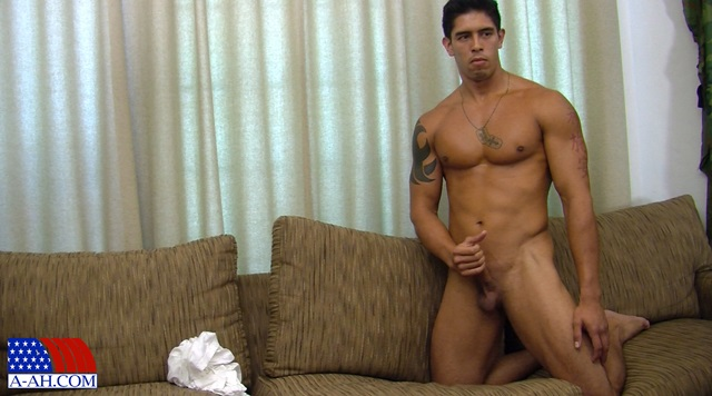 Corporal-Archer-All-American-Heroes-stiff-cock-tanned-muscles-soldier-jerk-off-012-male-tube-red-tube-gallery-photo