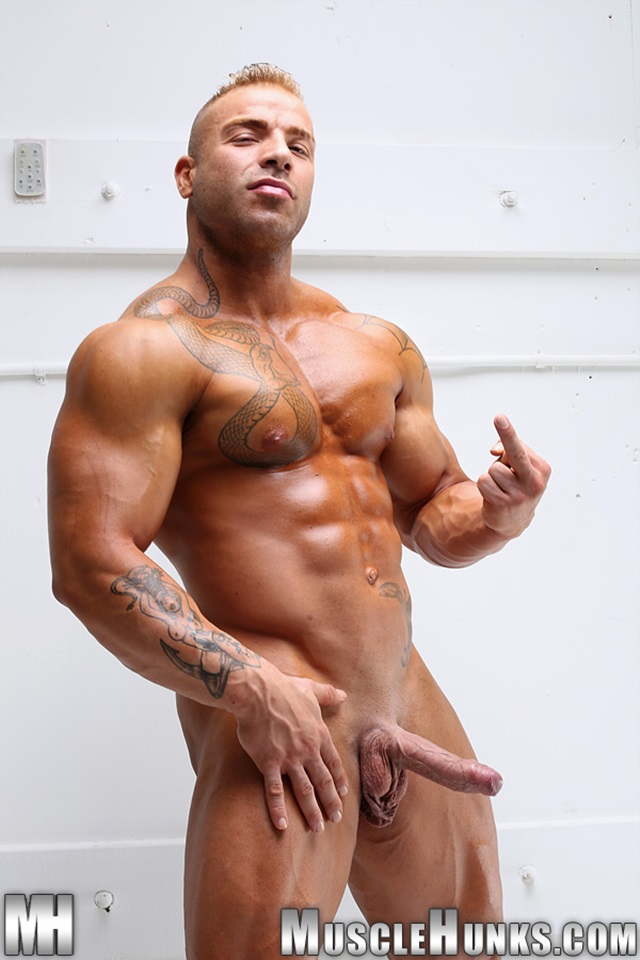 free gay bodybuilder videos