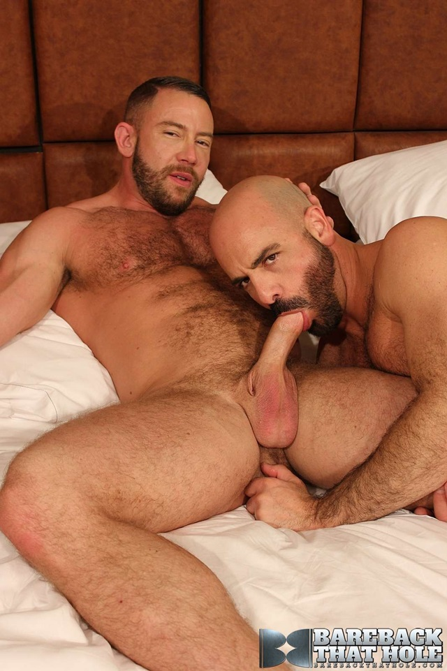 Shay-Michaels-and-Adam-Russo-Bareback-that-hole-raw-sex-videos-bareback-bears-gay-bare-breeding-raw-sex-movies-011-red-tube-gallery-photo