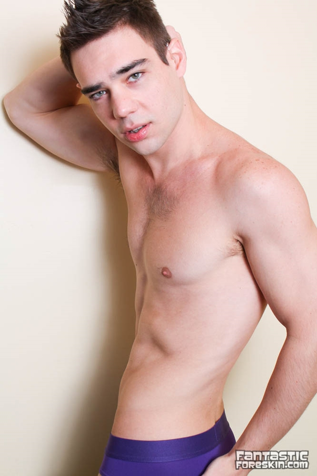 Fantastic-Foreskin-Zack-Randall-sucks-Isaac-Yale-uncut-cock-big-uncirumcized-hooded-face-cum-shot-003-male-tube-red-tube-gallery-photo