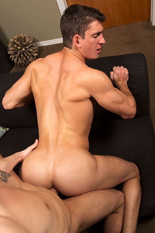 Sean-Cody-sexy-tattooed-young-stud-Parker-bareback-raw-ass-fucks-ripped-muscle-boy-Joey-smooth-muscled-asshole-013-male-tube-red-tube-gallery-photo