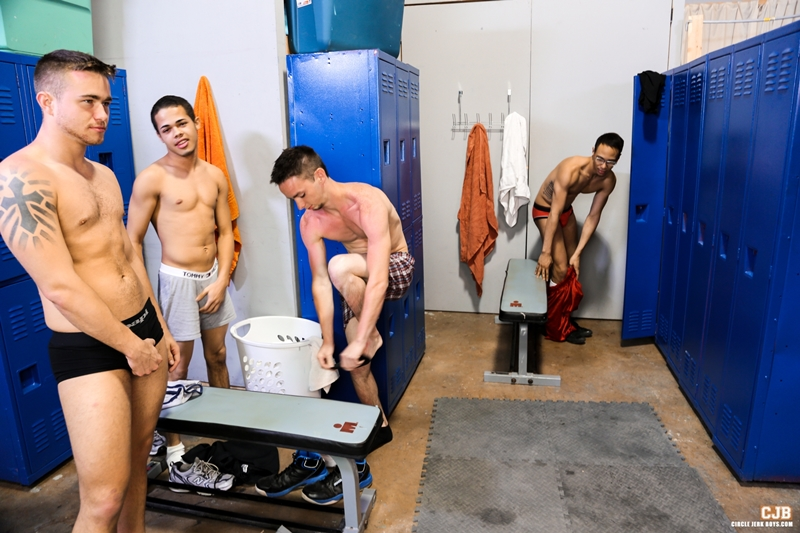 CircleJerkBoys-Trent-Jackson-Leo-Sweetwood-Jonathan-Cordona-locker-room-Santiago-Figueroa-hung-dick-load-cum-smooth-college-jock-001-tube-download-torrent-gallery-photo
