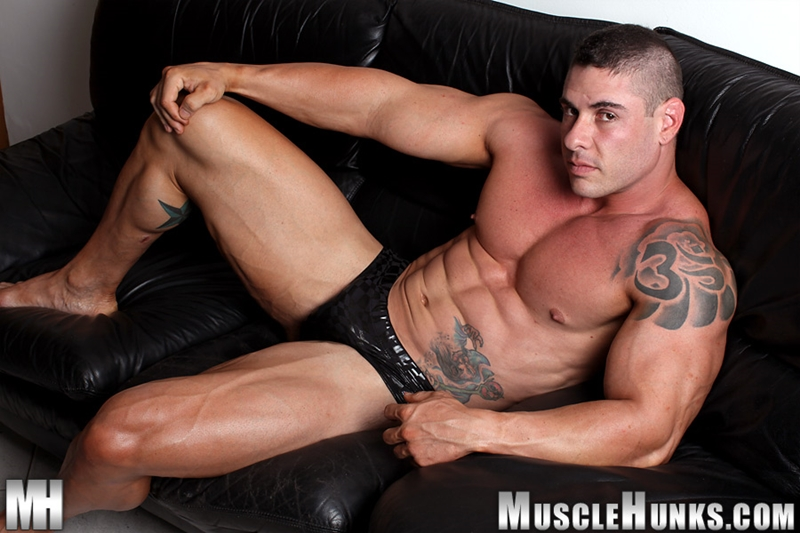 MuscleHunks-Huge-muscled-naked-bodybuilder-Brian-Gunns-g-string-Tattoo-oiled-muscular-torso-underwear-big-bubble-butt-meaty-ass-cheeks-009-tube-download-torrent-gallery-photo