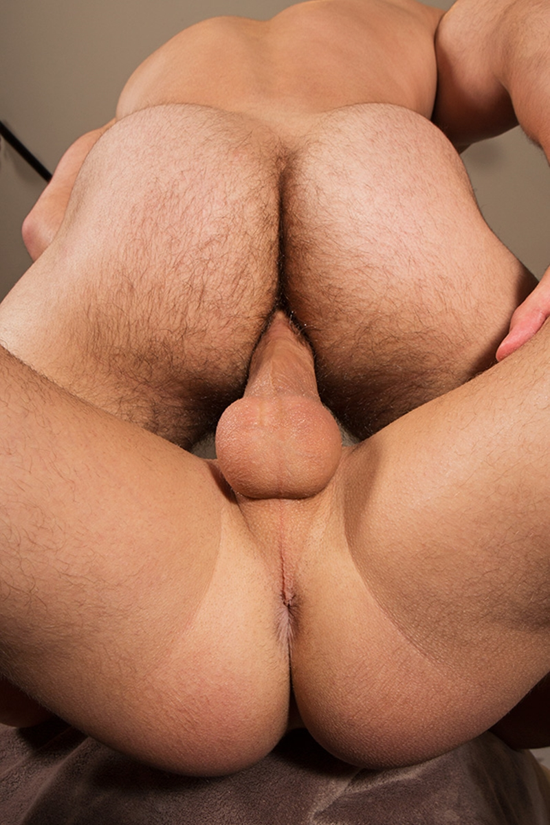 SeanCody-hairy-chest-muscle-hunk-Eddie-smooth-chested-muscle-boy-Dean-flip-flop-fucking-bottom-guy-raw-dick-bareback-007-tube-download-torrent-gallery-photo