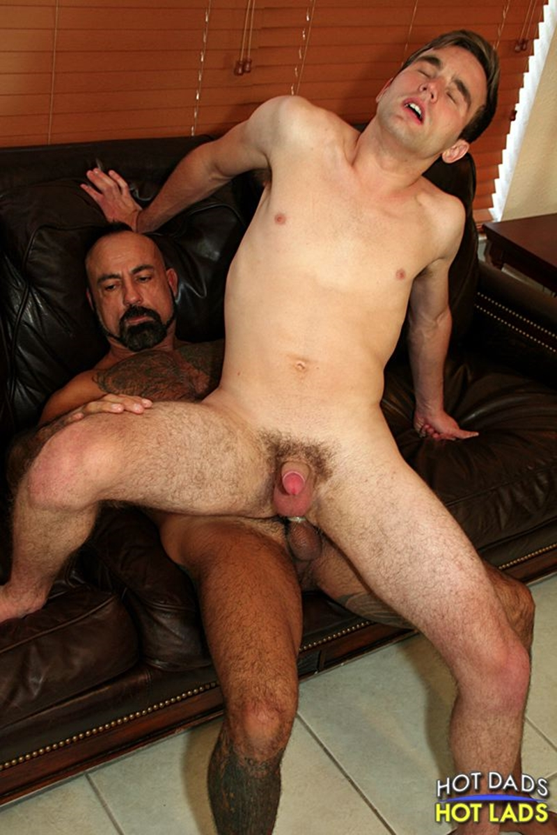 HotLadsHotDads-muscle-daddy-Bo-Bangor-cute-lad-Andrew-Collins-hot-men-kiss-unzips-shorts-thick-daddy-dick-strokes-huge-load-big-balls-012-tube-download-torrent-gallery-photo