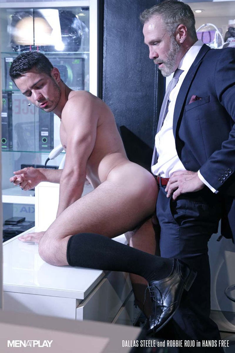 Men-com-young-muscle-bottom-boy-Robbie-Rojo-Silver-Daddy-Dallas-Steele-massive-cock-fuck-boy-hot-older-man-fucked-hard-cum-load-deep-ass-20-gay-porn-star-sex-video-gallery-photo