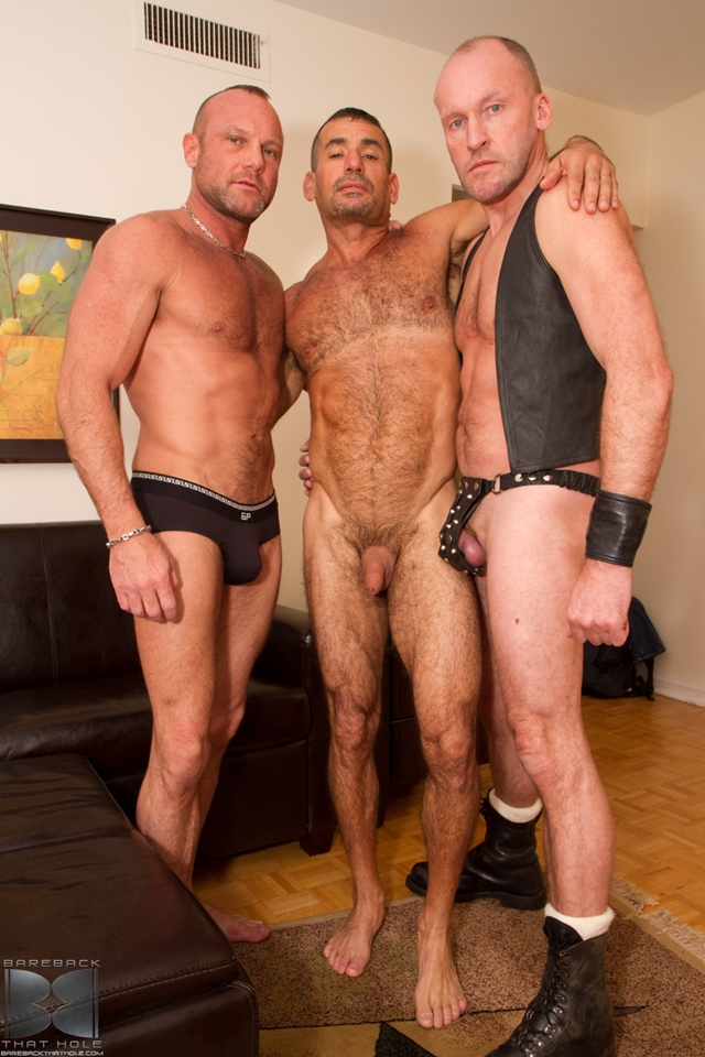 Bareback fuck threesome Paul Stag and Chad Brock with Ben Venido