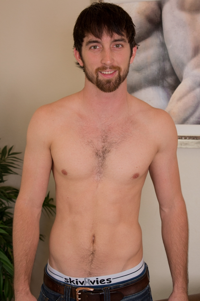 Hairy chest hunk Jeremy Stone at Southern Strokes