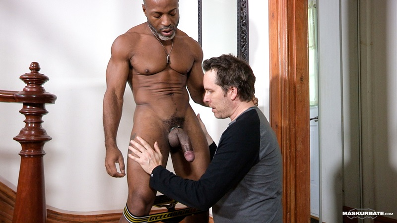 Maskurbate-DILF-Dad-I-like-to-fuck-hot-mature-men-worship-muscular-bodies-Robert-well-hung-black-guy-huge-ebony-9-inch-long-uncut-thick-dick-08-gay-porn-star-sex-video-gallery-photo