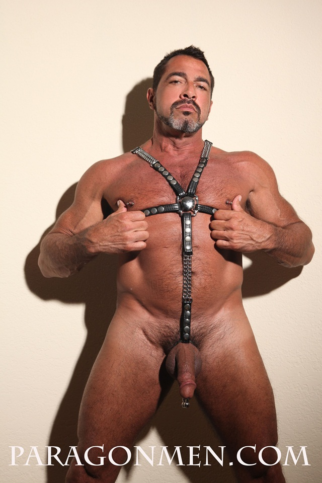 PARAGON MENS HOTTEST MEN KEEP CUMMING NOW JOE BRUNO