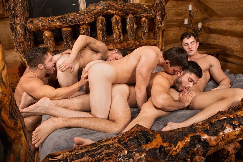 Bi dudes fuck in hot orgy