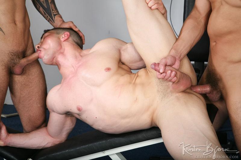 KristenBjorn-hot-nude-big-tattoo-muscle-dudes-Adam-Rupert-Ivo-Kerk-Marco-Rubi-flexing-bareback-ass-fucking-huge-uncut-cocks-cocksucking-013-gay-porn-sex-gallery-pics-video-photo