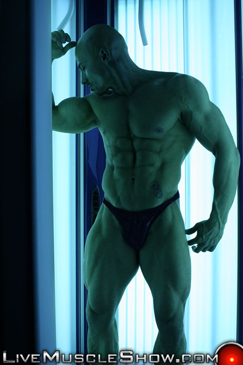 livemuscleshow-huge-muscle-man-viny-knight-naked-bodybuilder-webcam-chat-jerking-off-big-thick-massive-cock-muscled-hunk-007-gay-porn-sex-gallery-pics-video-photo