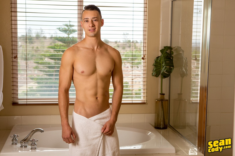 seancody-sean-cody-louis-sexy-naked-muscle-boy-smooth-chest-big-thick-cock-bubble-butt-asshole-solo-jerk-off-anal-006-gay-porn-sex-gallery-pics-video-photo