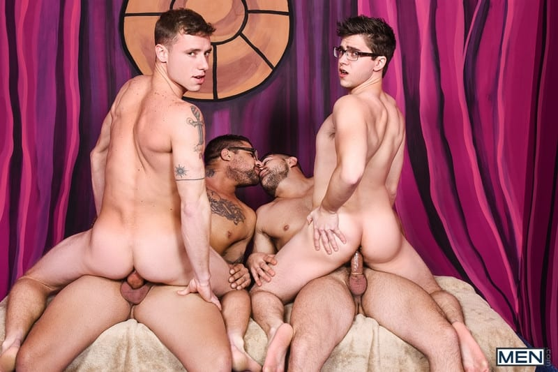 Men for Men Blog Gay-Porn-Pics-016-Damien-Stone-Justin-Matthews-Ryan-Bones-Will-Braun-Muscle-bound-stud-hardcore-ass-fucking-orgy-Men Muscle bound stud Damien Stone, Justin Matthews, Ryan Bones and Will Braun hardcore ass fucking orgy Men