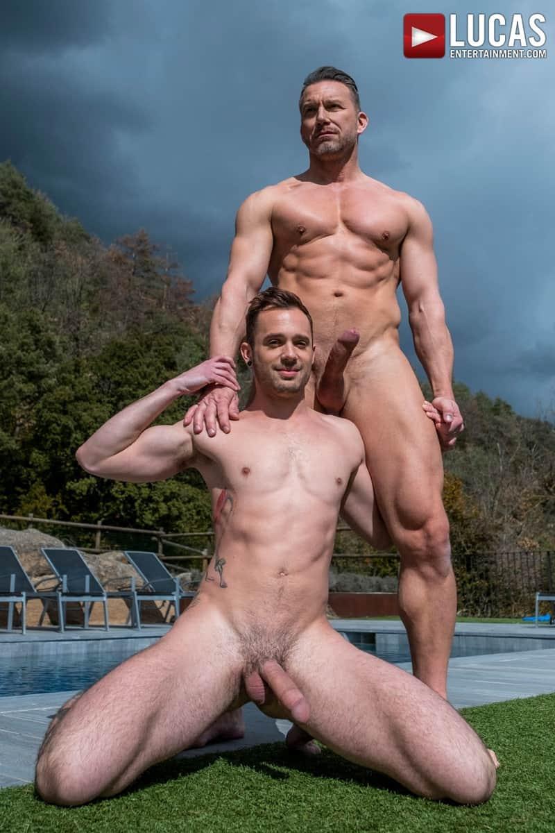 Muscle-Daddy-Tomas-Brand-bareback-fucks-Drake-Rogers-hot-bubble-butt-Ass-LucasEntertainment-011-Gay-Porn-Pics
