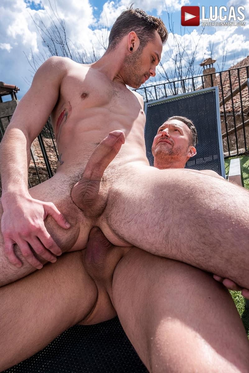 Muscle-Daddy-Tomas-Brand-bareback-fucks-Drake-Rogers-hot-bubble-butt-Ass-LucasEntertainment-033-Gay-Porn-Pics
