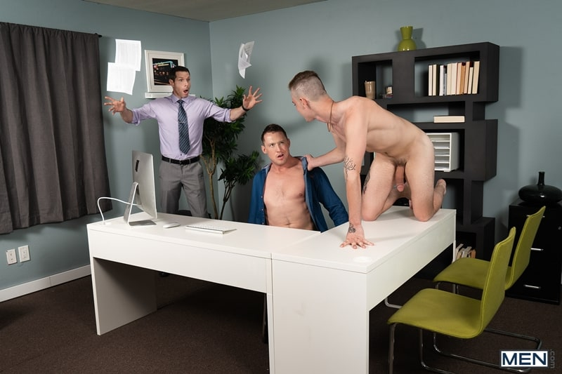 Hot-muscle-dude-Pierce-Paris-rims-young-twink-Cassidy-Clyde-tight-hole-fucks-office-Men-009-Gay-Porn-Pics