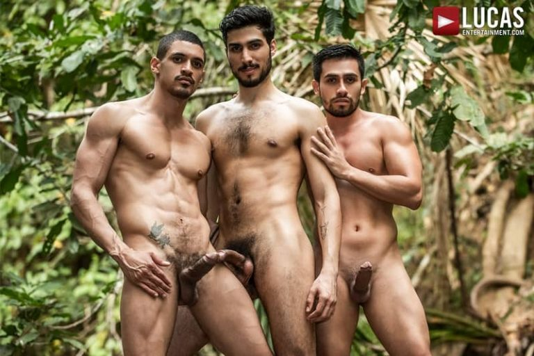 Hardcore big muscle threesome Pietro Siren, Derek Allen and Ibrahim Moreno bareback outdoor anal fucking