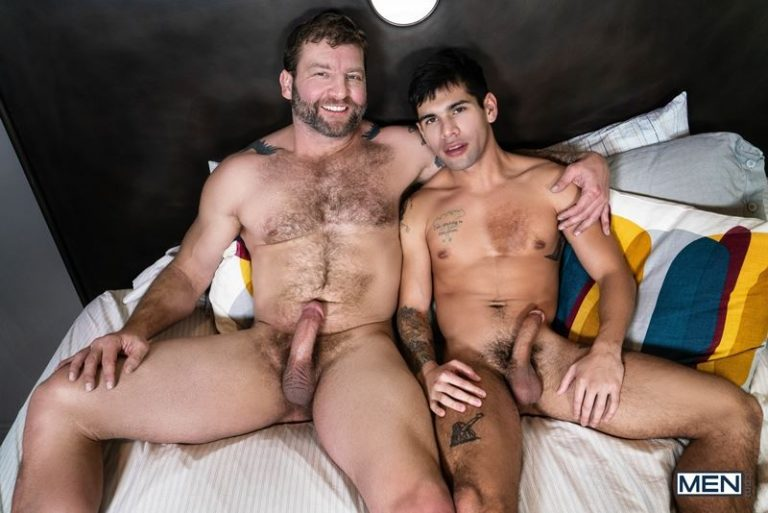 Hot daddy Colby Jansen fucks sexy young dude Ty Mitchell's hot boy hole